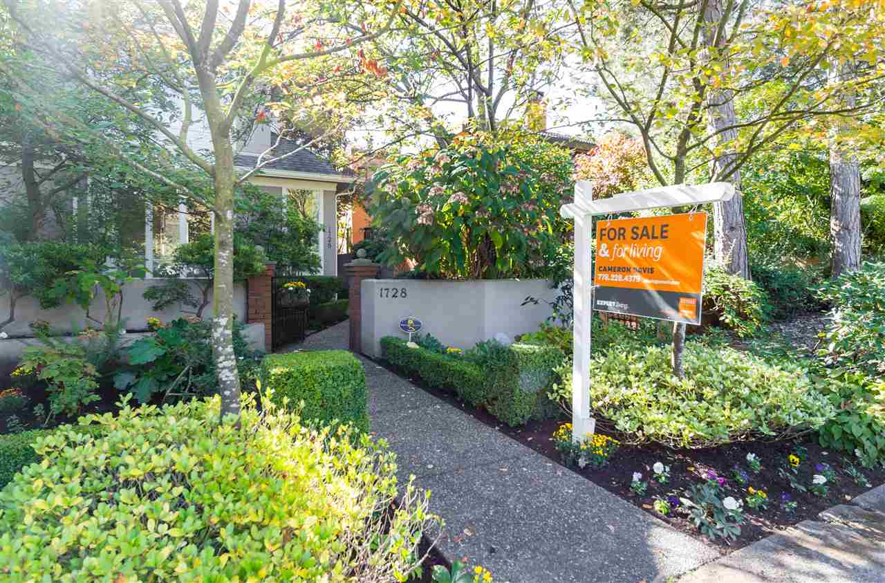 One of the nicest 1/2 duplexes in Vancouver, this house-sized home is just steps from Van Lawn and situated on one of the most desirable blocks in the city. Completely overbuilt by the builder/owner, the home boasts a concrete block wall between the two sides. Main floor: living, dining and open kitchen sprawling out to sunny garden patio; second floor: master w/ ensuite, 2nd bedroom, bathroom and huge den (den designed to be converted to 3rd bedroom); third floor: amazing and bright library with two huge decks off the front and back of the house. Kitchen and master have A/C. COMPLETE renovation, including appliances, in 2015 with no expense spared. Properties rarely come up on this block. PUBLIC OPEN HOUSE Tuesday, October 17 from 11:30am - 1:00pm