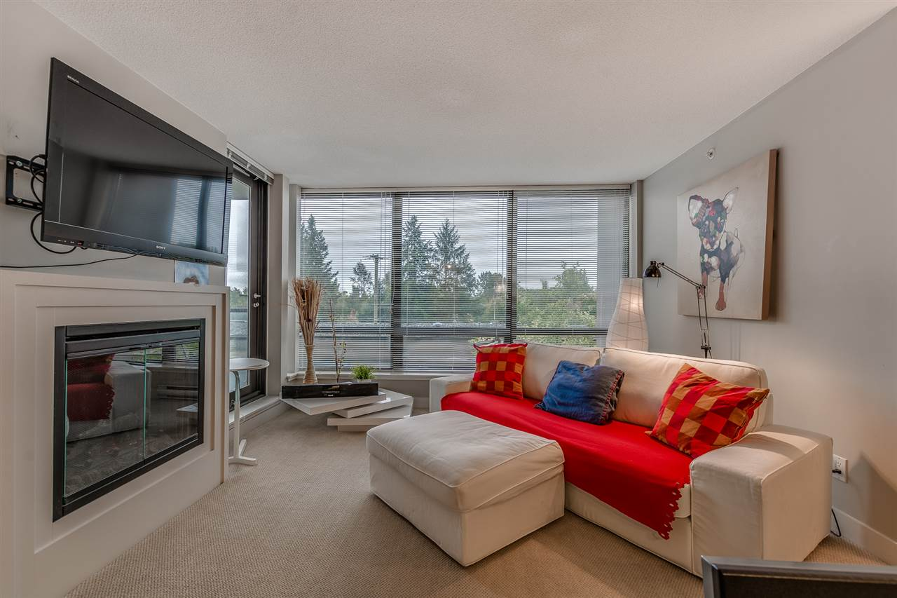 South-facing 2 bedroom + 2 bath with park view & functional layout. Very well taken care of, almost like new. S/S appliances, granite counter top. Large floor to ceiling windows makes this south-facing unit sunny and bright. Walking distance to 20 acre park, daycare & schools. Close to Richmond Centre, public market & skytrain. Very convenient location with shopping and restaurants nearby yet super quiet. A good listing. Must see!