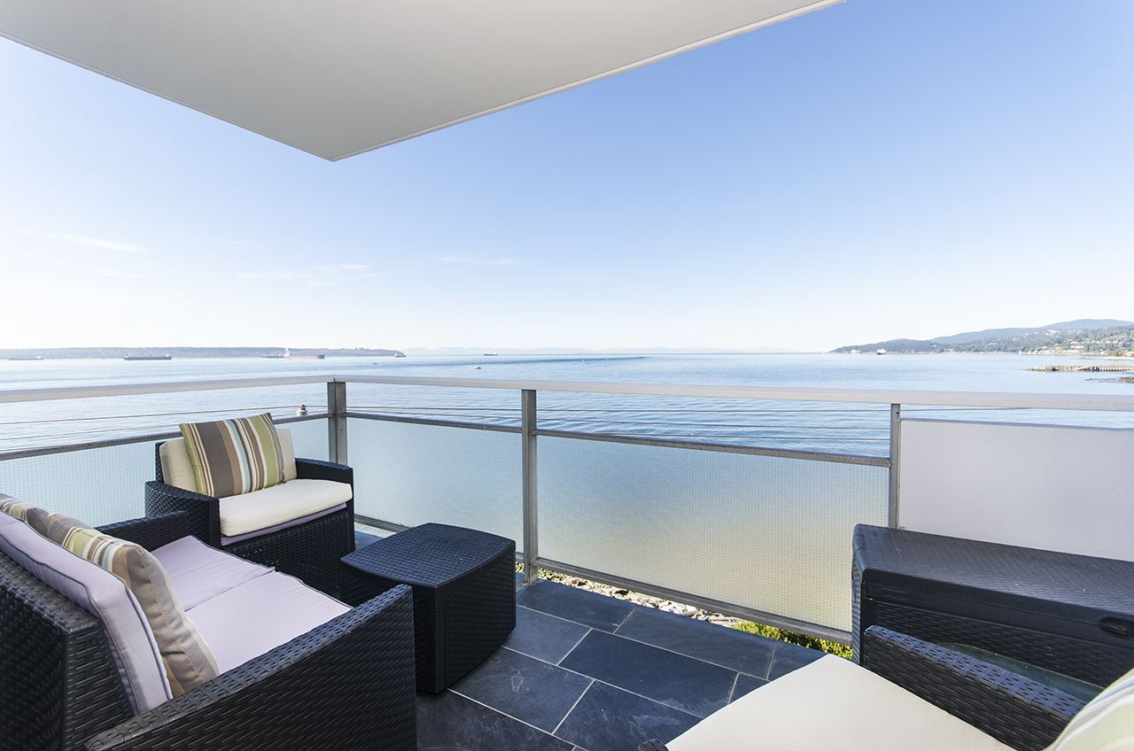 Beautifully renovated home with gorgeous views! Stunning, spacious one bedroom corner suite that has been redesigned and updated around the spectacular custom kitchen with granite countertops, hand milled cabinetry and top quality appliances. The gorgeous open plan with its rich hardwood flooring and custom mouldings has been transformed into a fabulous designer suite by Linda Burger.  Ideally situated in Dundarave, the location is perfect!  Just steps to the seawall, restaurants, the West Van rec center and more.  A great opportunity!