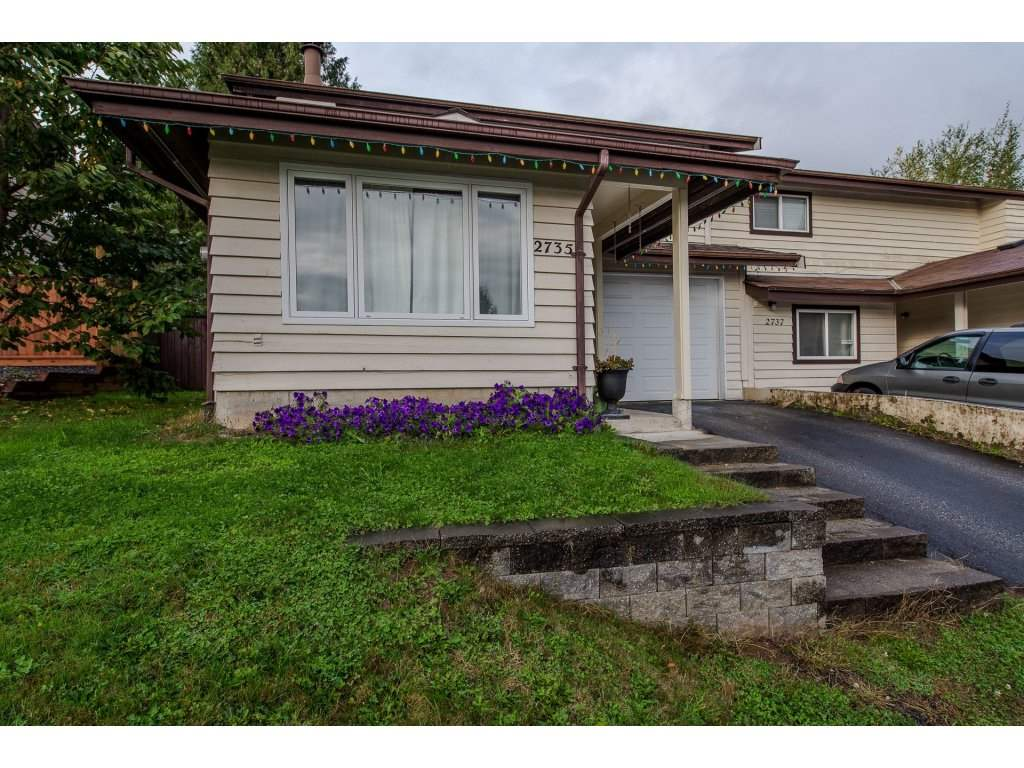 Own your own home with no Strata fees. This centrally located East Abbotsford home is perfect for 1st time buyers or investors. Walk to all levels of school, recreation, shopping and bus stop. Private backyard for the kids and the pets. Almost 1300sq. ft with 3 bedrooms, lots of updates including vinyl window.