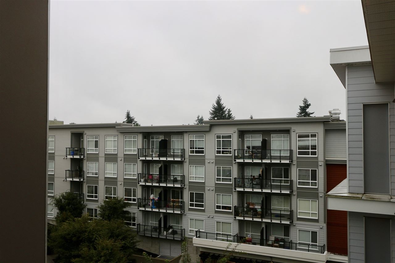 Quattro 3! Gorgeous one bedroom and one bath suite located near Surrey City Center. Walking distance to Skytrain, transit, shops and restaurants. Minutes away from SFU Surrey Campus and Central City Hall.This home features all the best finishes including granite counter tops,custom cabinets, stainless stell appliances. The building features a gated secured underground parking, exercise room and club house. Storage locker and parking are included. Great investment opportunity! Call today.