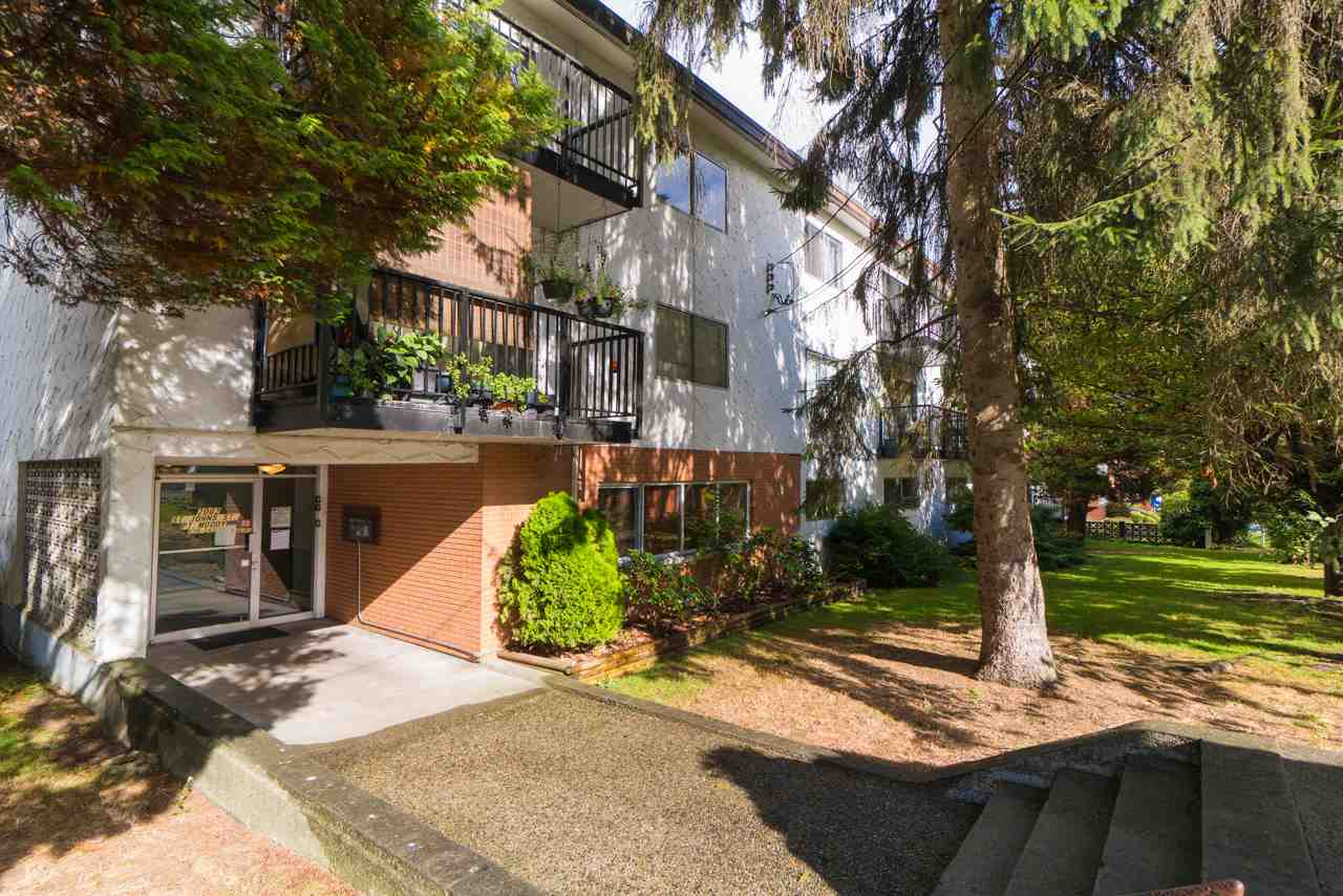 2 bedroom condo in Port Moody Centre. Close to Skytrain station, schools, shopping and restaurants. The beautiful Rocky Point Park is nearby.
