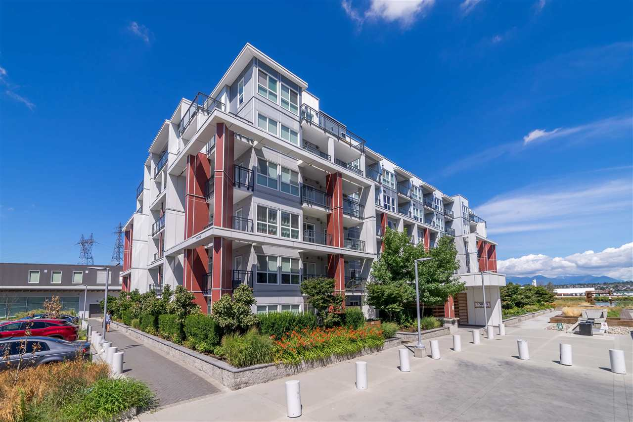 Welcome to PARC RIVER! Desirable waterfront community in Richmond. Features 9 ft ceiling, air-conditioning & 2-5-10 warranty! Couple minutes drive to Vancouver, River Rock Casino, Costco and Food World Chinese Supermarket!