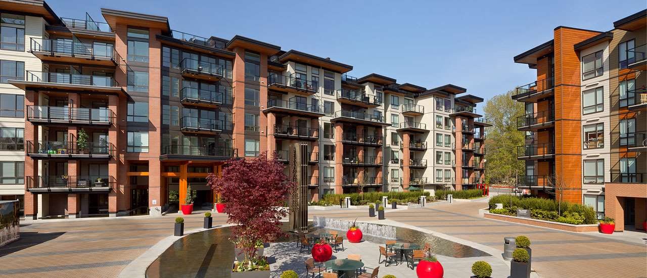 Stunning one bedroom unit of The Shore, quite inside building with garden scene. Walking to Capilano Mall, bus stops. Rental around $1,300/Month. A very good living or investment property. Very motivated seller, and a must-see masterpiece!