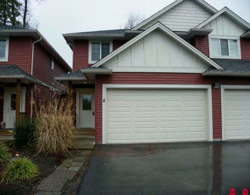 Enjoy this lovely 2 level 3 bed, 3 bath townhome at the Quarrystone! Smaller, quiet well kept complex, close to downtown Agassiz. End unit with almost 1400 sq ft of living space. Spacious layout with lots of light. Stone gas fireplace, laminate flooring, laundry conveniently located up, master bedroom has its own 3 piece ensuite. Fenced yard & double garage.