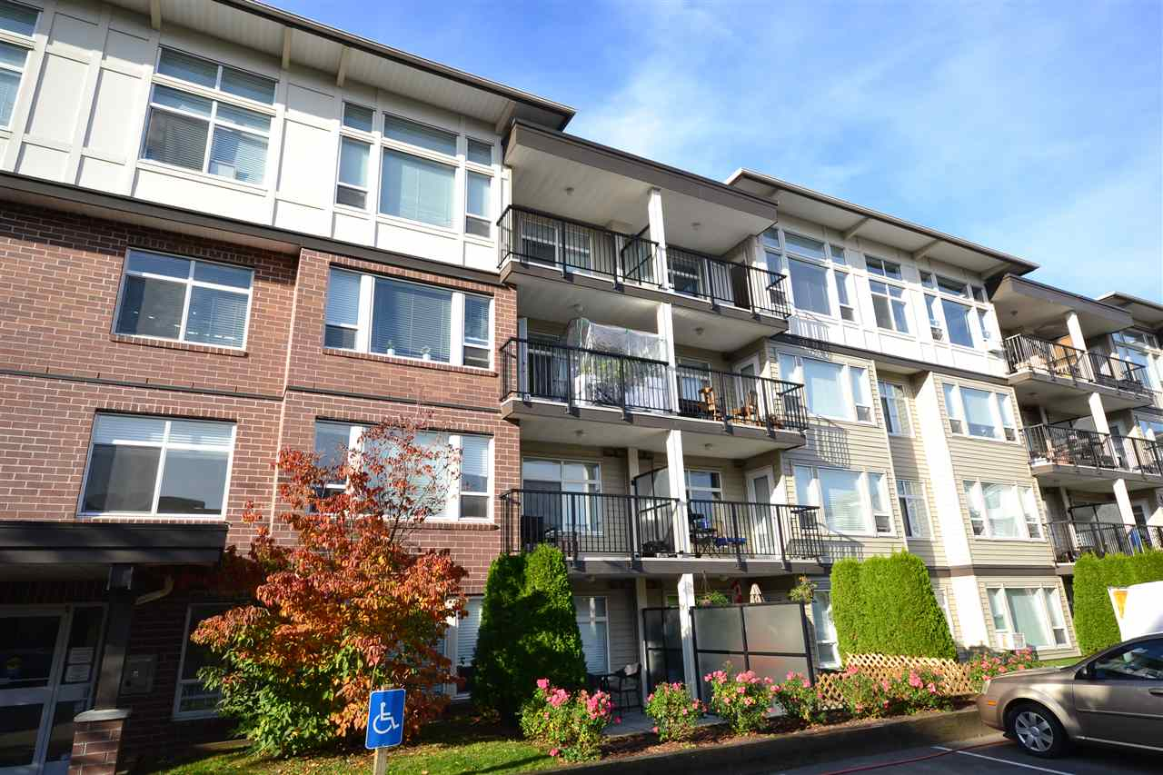 Great 1st home or ideal investment unit. Good size one bedroom unit and a den with a window. Open layout optimizes space for functionality. Has in-suite laundry and a stainless steel appliance package. Secure underground parking. Convenient location close to shopping, schools, pools and all amenities. Check it out today!