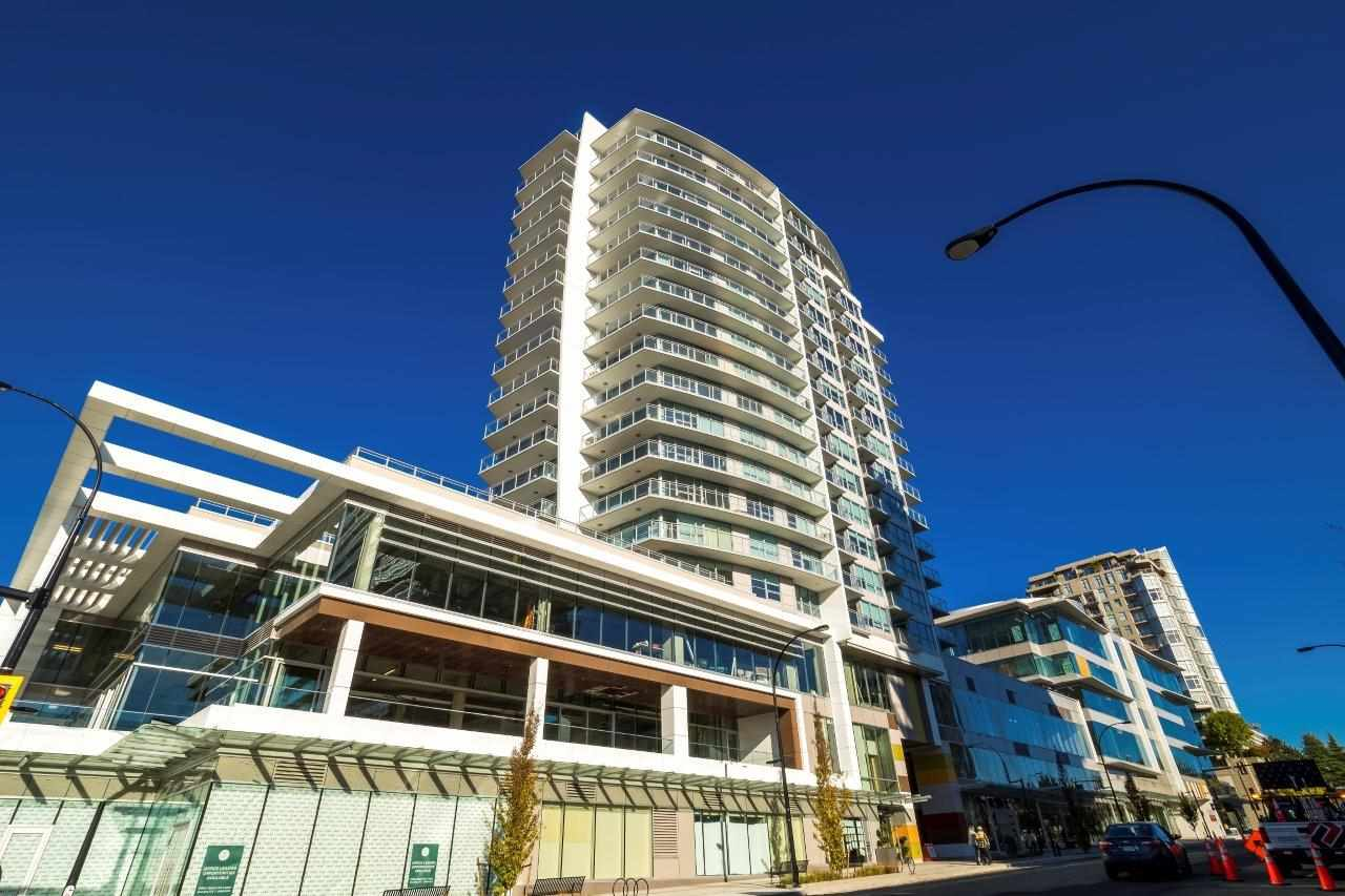 Fantastic junior 1 Bedroom in Tower A with sweeping views of the mountains, downtown, Lions Gate bridge and beyond. The suite has a functional lay out, great storage and is well equipped with full sized, high end, appliances. Gas in the kitchen and even full sized washer & dryer. The balcony is private and entertainment sized. Centerview has been the most anticipated development in Central Lonsdale. Building amenities are luxurious and world class.