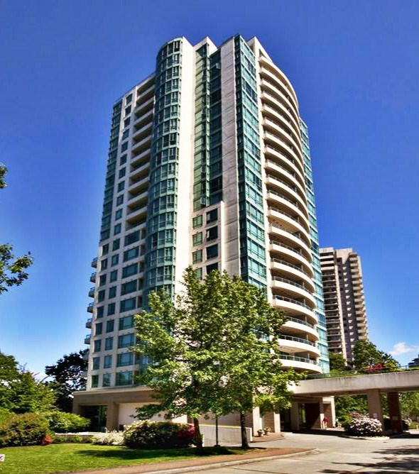 Best ideal location! Laminate floors 2 spacious bedroom units with beautiful views of Deer Lake, mountains & city. Extra wide balcony, oversized curved windows! Close to skytrain, Metrotown, Crystal Mall, library and other amenities & shopping. Open layout. Won't last!