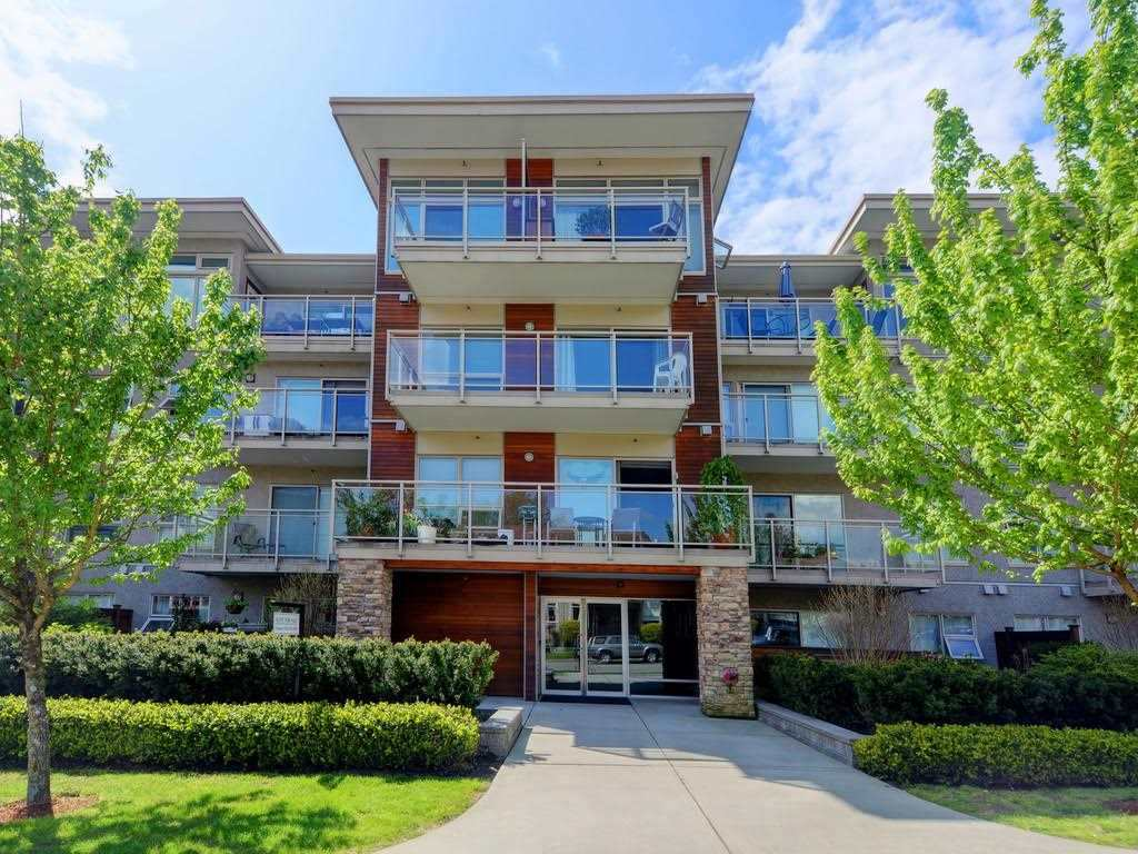 Great chance to own or invest in a 2 bed/1 bath condo in the popular Lonsdale corridor. Villa St. Georges is a 6 years old bldg. with 52 units and is still covered by 2-5-10 warranty. The unit is currently tenanted and features: hardwood floors, S/S appliances, quartz countertops with open kitchen. Good sized bedrooms and a big west-facing balcony. Maintenance fee includes heat & hot water, 1 parking and 1 storage locker included. Shared laundry on each floor, also possible insuite washer installation with Strata permission. Rental allowed and pet friendly (1 dog or 1 cat). Easy walking to retail shops, public transit, cafes & restaurants, Lions Gate Hospital, Lonsdale Quay, Seabus, Library, City Hall. All showings by appointment.