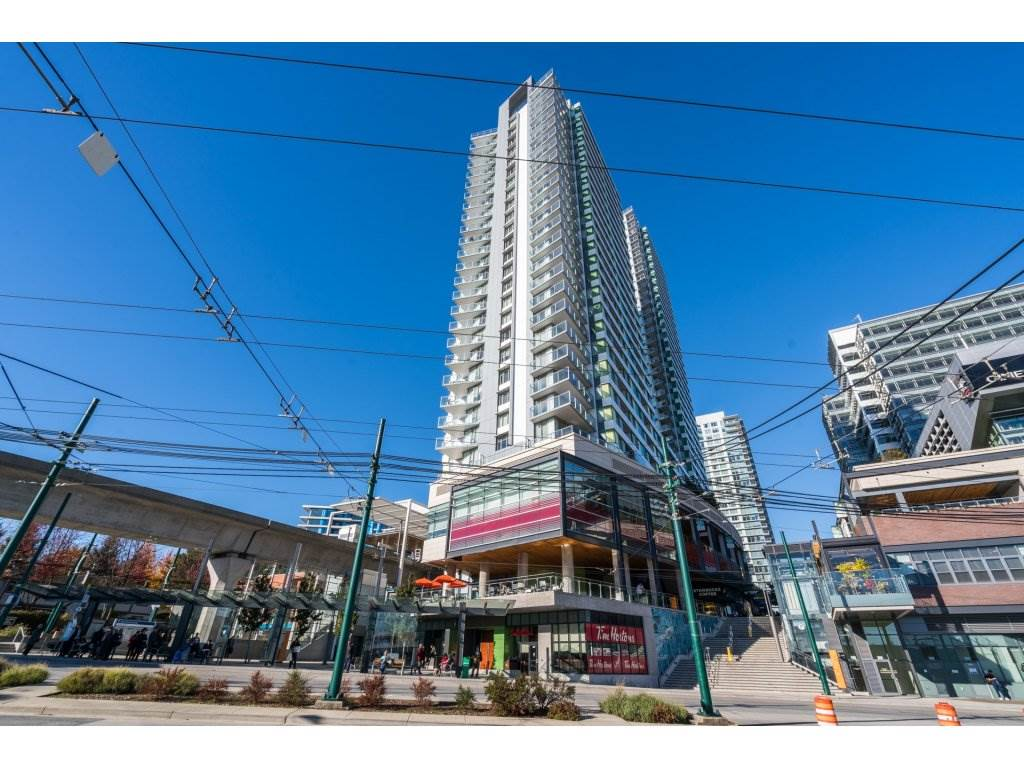 Marine Gateway Perfect location, Vancouver West. Relax on your patio with mountains and water views. Excellent layout in this modern and spacious 1 BR unit. Close to YVR airport and minutes to downtown. Located next to Canada Line and steps to Steve Nash Fitness, Stabucks, Restaurants, Banks, shops etc. This is a great gem in the Marpole Area, don't miss out on this awesome unit.