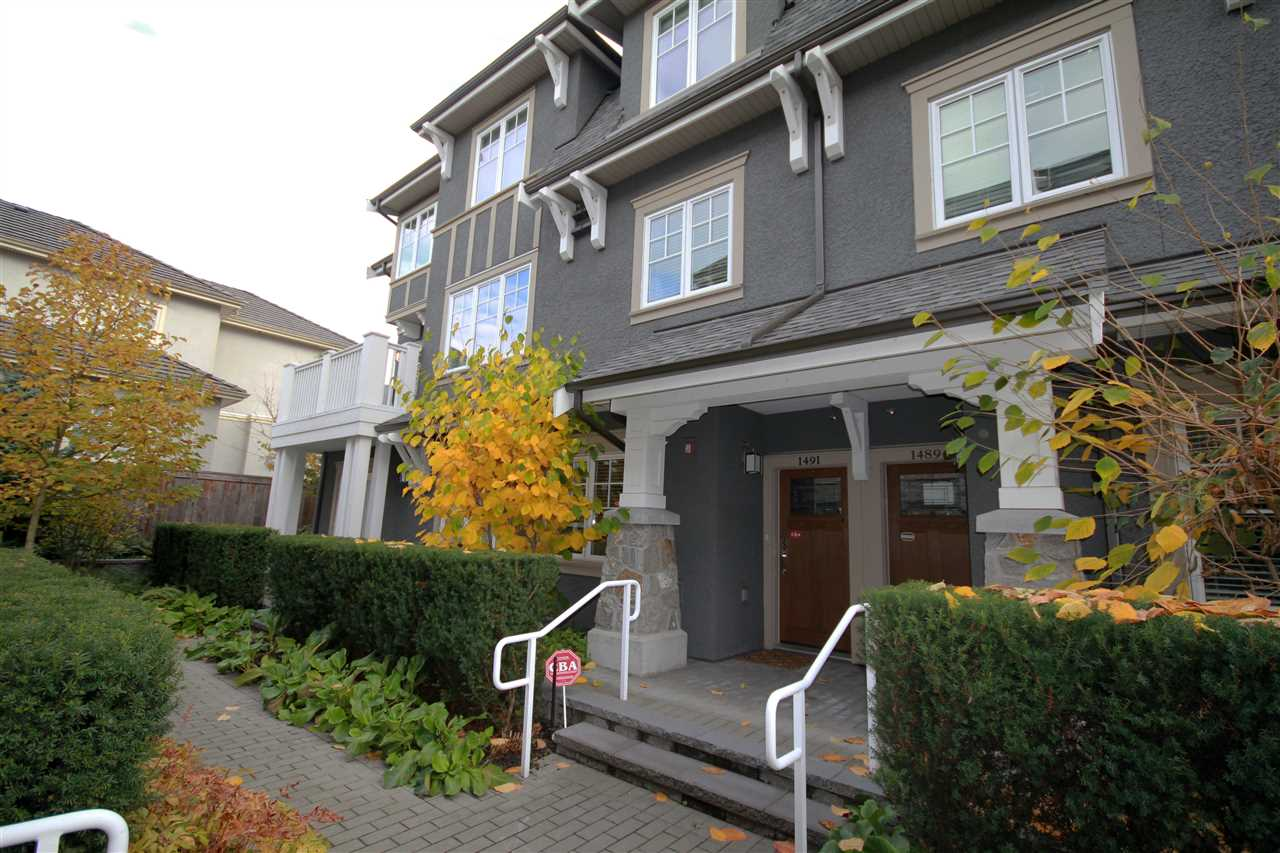 A luxury 4 bedroom 3.5 bathrooms 5-year new townhouse in Vancouver West! Excellent layout, west facing windows, bright and spacious living room leading to a private patio. �air-conditioning, Wok kitchen, extra large storage, double garage, quiet inside unit. It looks extremely clean and better than new. School Catchment: Sir William Osler Elementary and  Sir Winston Churchill Secondary.