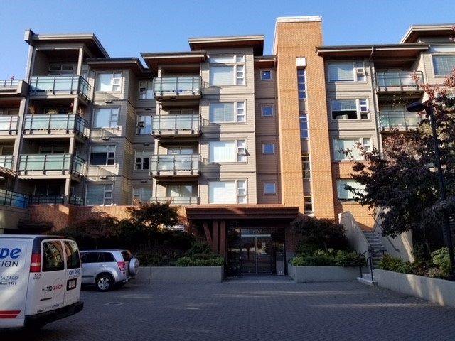 Top floor, 2 bed, 2 bath, parking + locker, apartm with views of Lions Gate Bridge. Spotless, loving maintained, show home condition unit with HVAC unit for cooling + heating, custom closet organizer by California closet, floor to ceilings kitchen cabinets, center island, quartz counter tops, S/S appliances. Spacious master with private en suite, soaker tub + big shower in 2nd bathrm. In suite laundry, private patio, 2 parking available. Private bar area, can be office. Balance of new Home Warranty. Close to all conveniences. Open House Sun, Nov 5, 2-4pm.