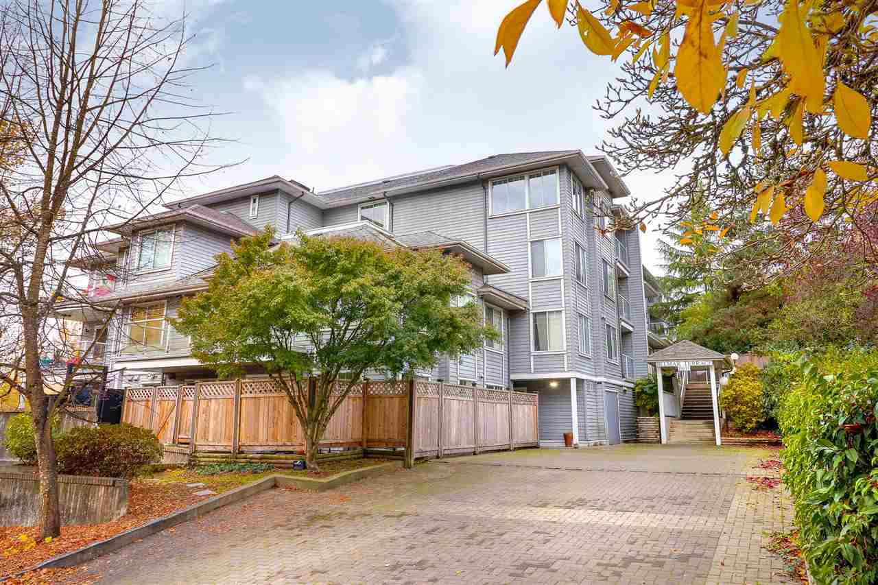 INVESTORS ALERT!! This is your opportunity to earn your own sweat equity! Very clean and move in ready this 2 bed condo is waiting for your ideas! Central to downtown Maple Ridge, walk to Langley Farms market, Save on Foods &  the AMAZING HANEY PUB! 5 minute walk to the West Coast Express. OPEN HOUSE SAT NOV 11 FROM 11AM-1PM.