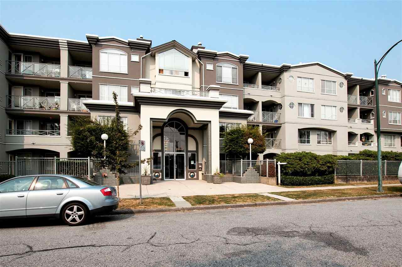 This amazing 2-bedroom unit in Southridge House is Bright, spacious and has a functional layout. Finishes include laminate counters, tile back-splash, white cabinets, and laminate flooring. The bedrooms very spacious with room to create a den/office if needed. Balcony faces South with a view of mount Baker. There is also a large solarium that provides an additional 142 sq ft of functional living space making it a total of 1375 sq. ft. of usable space.  Amenities in building include a bike locker and social room. Close to shopping, transit, restaurants and parks. Call for your private viewing today