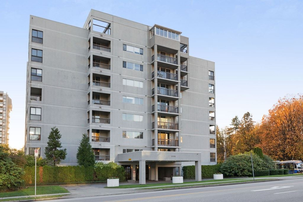 Downsizing, first time buyer? Looking for quiet high rise living in the heart of New West without the high cost of living  ... this is it!  Directly across from Moody park, bright, spacious 2 bdrm unit with recent floor and kitchen updates (2017), on quiet side of bldg. Walk to all amenities, shopping, transit & schools. No pets or rentals allowed. 19+ building. * NEW OPEN HOUSE TIME  - Sat/Sun 12 to 2pm