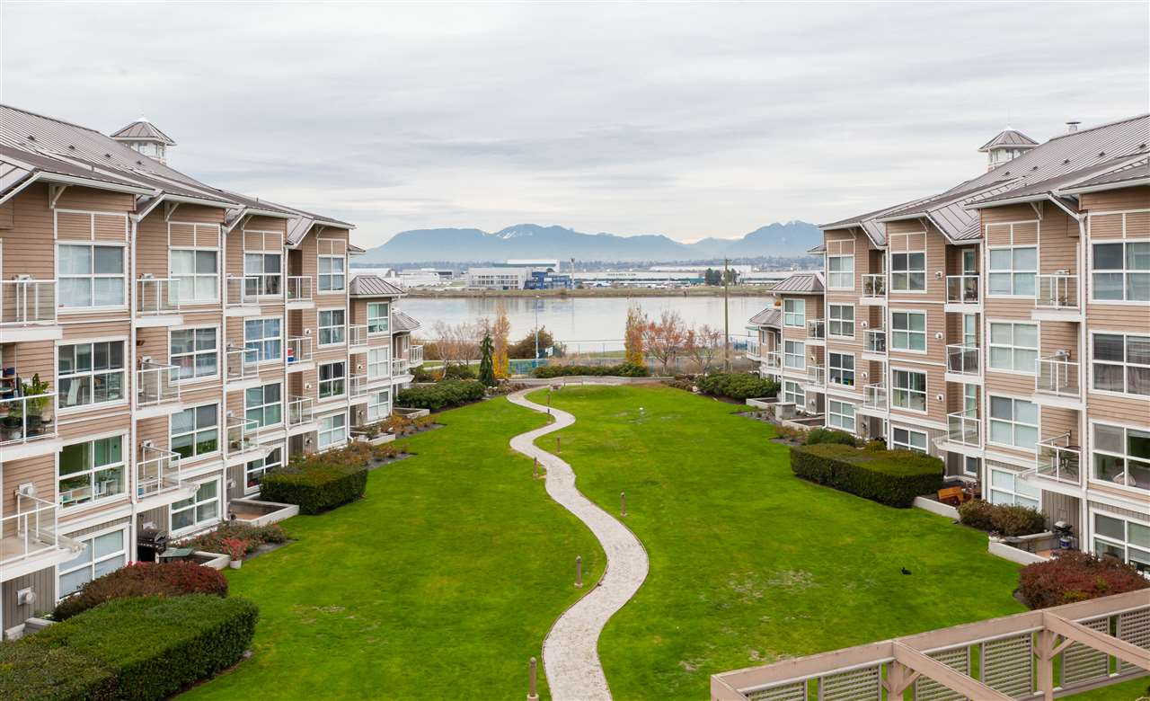 Extremely rare opportunity for those looking for a nice condo! Spectacular�views of North Shore Mountains, River & courtyard accessible in both bedrooms, living room, dining room and kitchen. Top floor spacious 2 bedroom & 2 full bath. Completely renovated. Outstanding location close to North Dyke, the Oval, shopping & transit. Good size balcony to BBQ & enjoy the wonderful views.