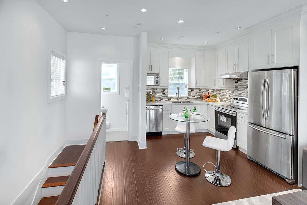 Windsor's Prime Townhouses are on sale! Ready to move in! Development consists of 10 units and contains 2-3 bedroom units. Prices start at only $619,000 and highest unit is $1,279,000. Amazing layout with great quality finishings. Brand new appliances are included with every unit.