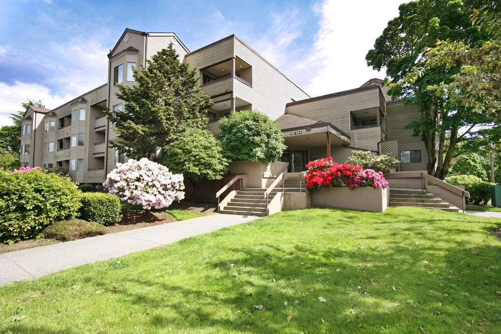 2 Bdrm apartment, facing quiet sunny exposure. Large balcony, Rentals allowed, 2 cats and one small dog allowed. 2 parking spots, 1 secured. Close to all amenities, including shopping and transit, golf course. Nice clean place, move in ready. Great for first time buyers or investors! Open House Nov. 18 2-4pm.