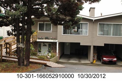 Spacious 1/2 duplex in Central Burnaby.  This 2033 square foot 1/2 duplex features four bedrooms, 3 bathrooms, two kitchens and laundry room.  Great backyard, large decks and covered carport.  One bedroom suite/mortgage helper in basement.  Close to BCIT, Brentwood and Metrotown and all major routes/buses/skytrain.  Open House Saturday, November 25th 2-4pm.