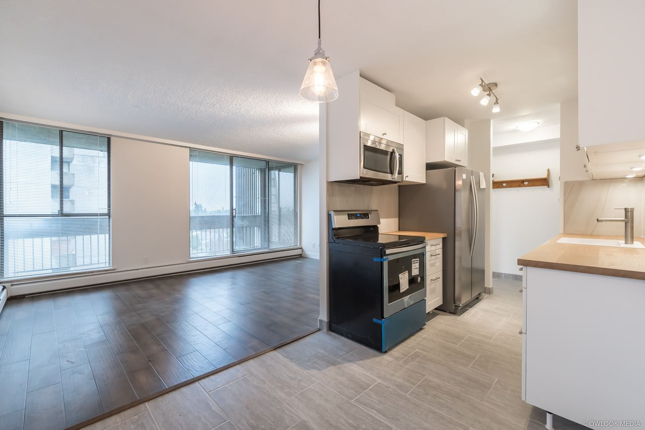 Welcome to Somerset House in Metrotown. This fully renovated East facing 1 bedroom suite comes with spacious living room, all new engineer hardwood flooring, new paint, all new stainless appliance, completed updated bathroom and 1 parking and 1 storage. Good exposure on the big balcony. Indoor heated pool and sauna downstair. Shared laundry. Close to metrotown shopping and skytrain