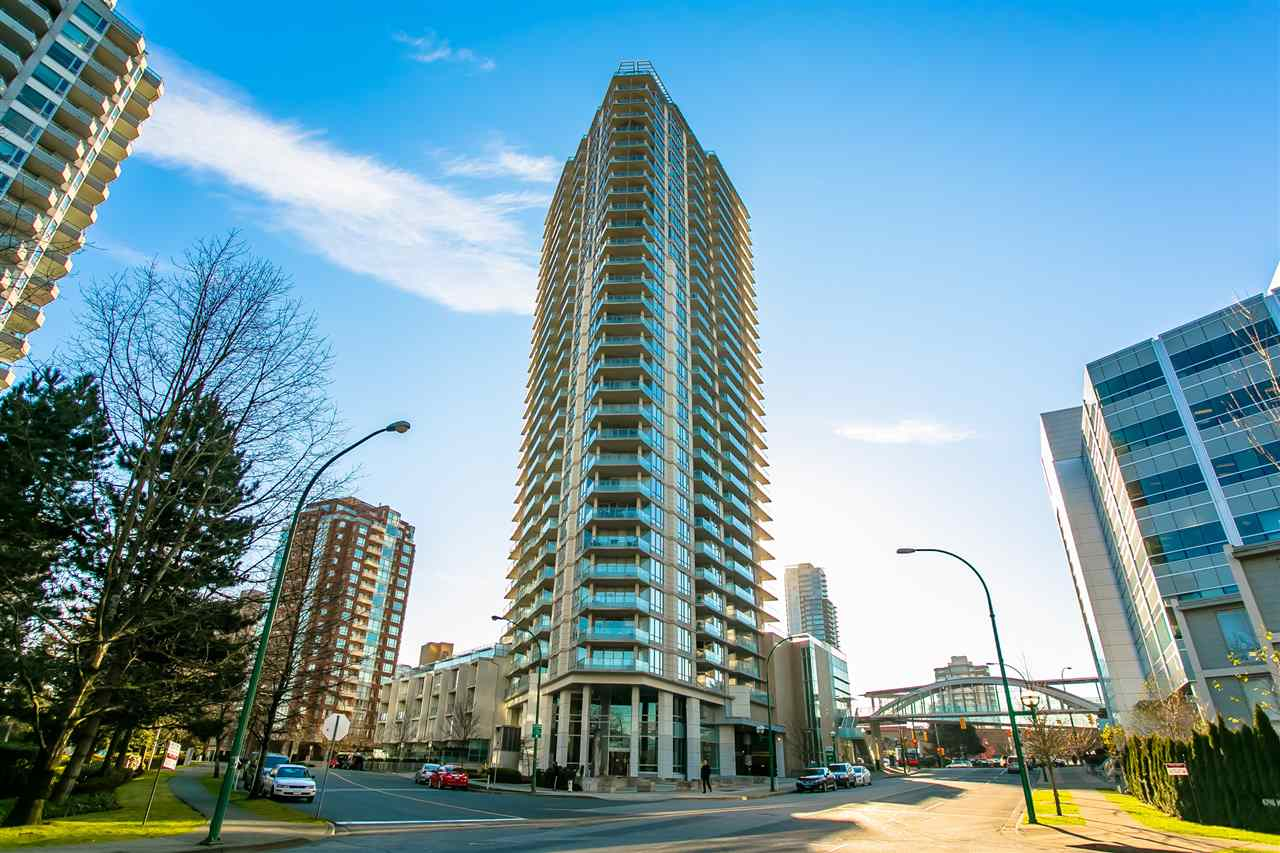 """""""Centrepoint"""" by intracorp. Great Location right by the side of METROTOWN, Everything is close by. Affordable lower price with comparable properties in Metrotown Area and Low Maintenance fee. Hardwood floor, gas stove, stone countertop, steel modern appliance with bright living area. One of the best layout among the unites. Great opportunity for small family and investment, high rental income producer. A must see property! open house Dec 16th Saturday 10:00 am-11:00 am."""
