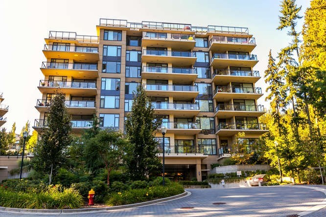 Westwood Plateau's premier concrete building 'CASCADE' by Liberty Homes. This 2-bedroom, 2 bath and den unit on the 8th level is one of the best locations in the building which faces north-east offering bright and picturesque greenbelt view and total privacy. A large balcony on the corner has south-east city and mountain view. Good layout with a den on the front which can be a 3rd bedroom. Features hardwood flooring, granite countertops and s/s appliance. Unit is used as vacation home and being kept in an excellent condition. 2 side by side parking stalls and 1 storage locker. Located adjacent to Westwood Plateau Village with walking distance to schools and public transit.