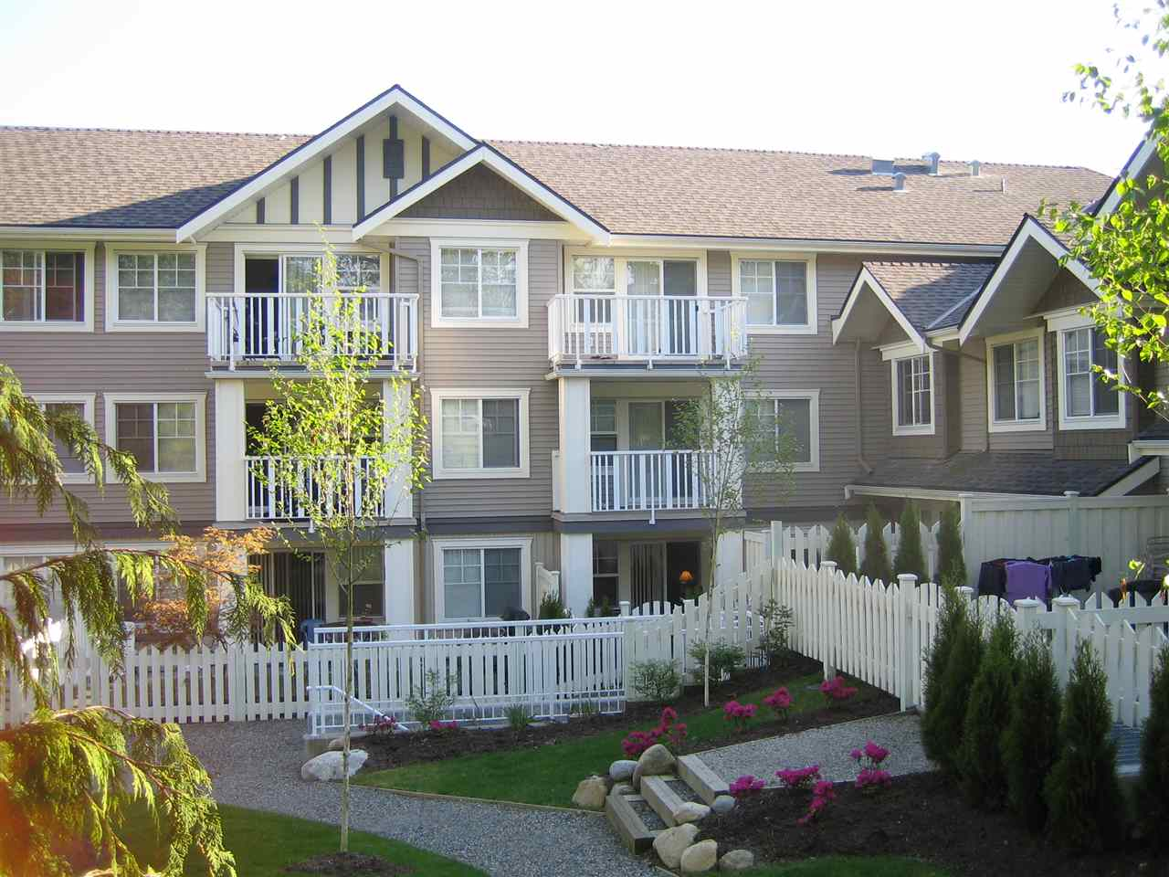 Craftman style 2BR & den condo at Botanica built by award winning builder Ledingham McAllister. Only 13 year old unit with large living room & dining room, open concept kitchen, insuite laundry. Spacious master BR + den & good size second BR. 4pcs bath with cheater ensuite to master BR. Laminate flooring throughout the unit. Cozy electric fireplace and covered balcony facing courtyard. Secured 1 parking, storage locker & bike room. Centrally located in Burnaby, few minutes walk to Highgate Village (Save On Foods, restaurants, banks), steps to parks, walking distance to Edmonds Skytrain station. 10min drive to Metrotown & Burnaby Library. Close to Tyler Park Elementary & Byrne Creek Secondary schools. OPEN HOUSE: SUN, DEC 10, 2-4PM