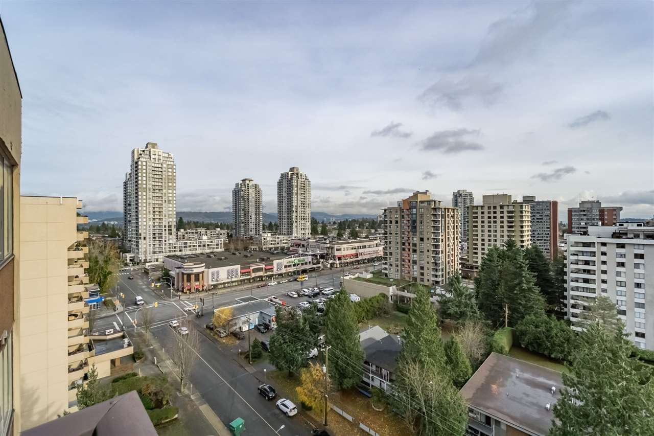 Amazing views of the Mount Baker, Fraser River, and City from this Top Floor penthouse 2 bdrm unit in the highly desirable Highgate neighborhood. Functional layout with a huge master bedroom and lots of upgrades. Walking distance to Edmonds Skytrain, buses, gym, library, Edmonds Community Centre, shops, restaurants and school catchment -Taylor Park Elementary / Byrne Creek High School. Well maintained strata building with new exterior painting and landscaping. Strata maint., includes heat and hot water. Don't miss this one out! First Open House Sat/Sun 6th/7th Jan 2018