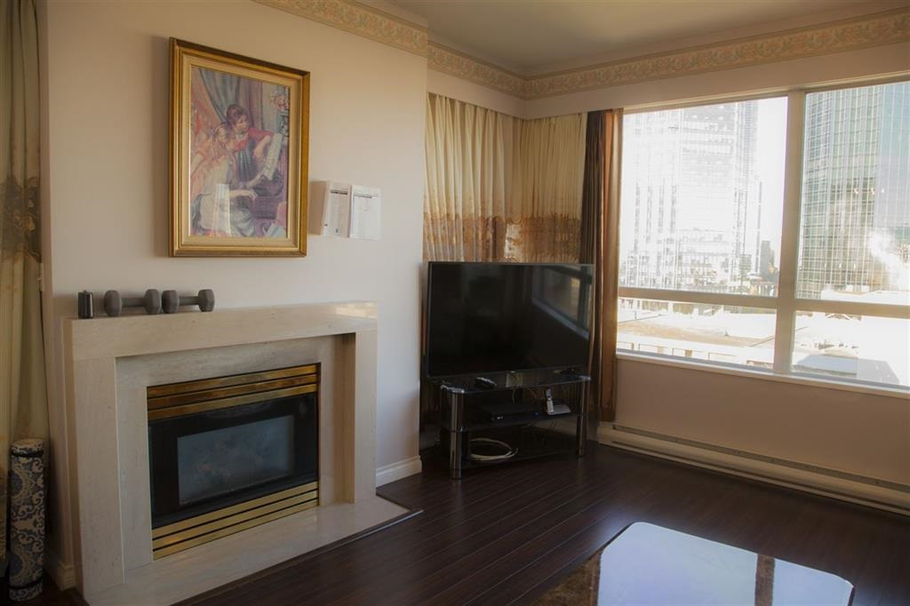 Location! Location! Rarely available 1269 s.q.f.+176 s.q.f. balcony w/9ft celling home in the heart of Metrotown. 2 bedroom w/den (converted to 3rd bedroom) w/2 full baths & great floor plan. Fully renovated in 2014 including newer flooring, baths, kitchen w/ S/S appliances and baseboard. Quiet corner unit w/SW exposure&fantastic city views. Only 4 units/2 elevators per floor. Building's exterior&elevator updated! Owner oriented&well managed complex is the great place to raise your family. Walking distance to skytrain, metrotown, TNT, Bonsor community center, library, and restaurants. 1 parking #89, 1 locker included. Visitor parking, sauna, GYM, Ping Pong room and open garden! No pets/rents. Open house April 22 Sunday 2-4 pm. No sign as strata required, agent will see you in front of the gate.