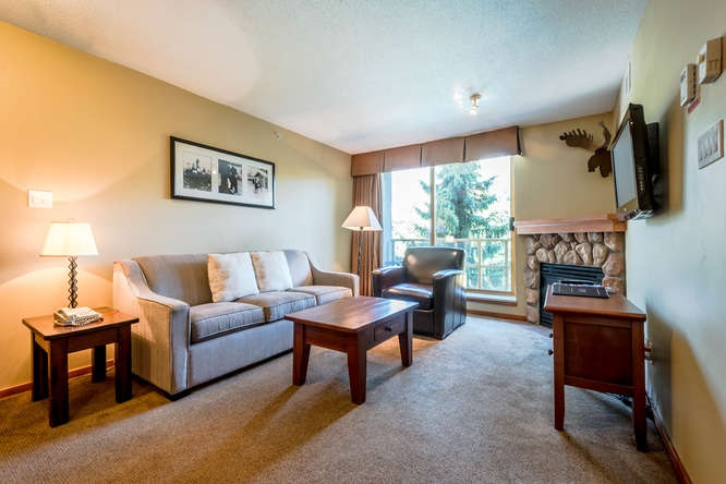 This laid-back, condo-style hotel in a sprawling lodge with Alpine accents is a 5-minute walk from the Whistler Conference Center and a 7-minute walk from the Whistler Village Gondola lift station. This one bedroom, 599 SF condominium is equipped with a full kitchen, gas fireplace, pull-out sofa, washer/dryer, soaker tub and 36 SF pool facing balcony. A free shuttle stops across the street. The hotel offers an outdoor pool and 2 hot tubs, plus a fitness center, bike and ski storage, and heated underground parking. This is a turnkey nightly rental or weekender. Phase 2 condo, enjoy 56 days of the year for personal use and benefit from the steady revenue income that comes with this condo. See the tour link for 360 degree images and a unit floor plan. call for more info!!!!