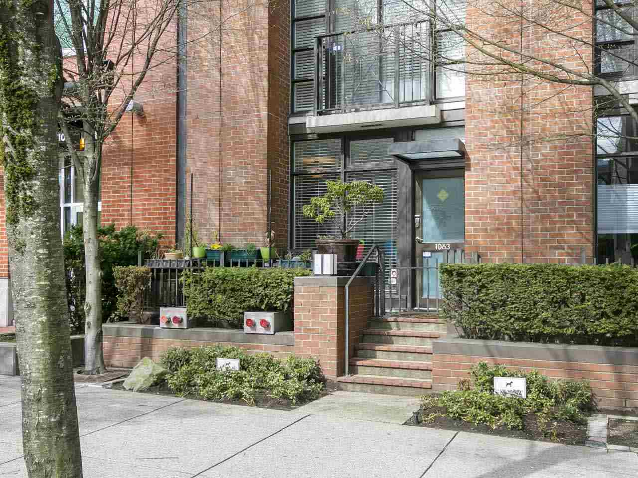 Stunning first-ever-on-market townhome at popular Domus in Yaletown! This 2bed/2bath home offers 1,134 square feet of open concept living over 2 floors. Walk into your spacious living area with warm hardwood flooring and floor to ceiling windows that allow for tons of lights. The gourmet kitchen with adjacent pantry is perfect for functional everyday use with family & friends. The second level offers two large bedrooms, both with ensuites and the master with private deck ideal to relax or entertain. An office or flex space is also located on this level. Buy with confidence in this meticulous maintained concrete building with hotel like amenities incl. gym, sauna & party room. Nestled in the heart of Yaletown residents are only mere steps from restaurant, shopping, the seawall and transit.