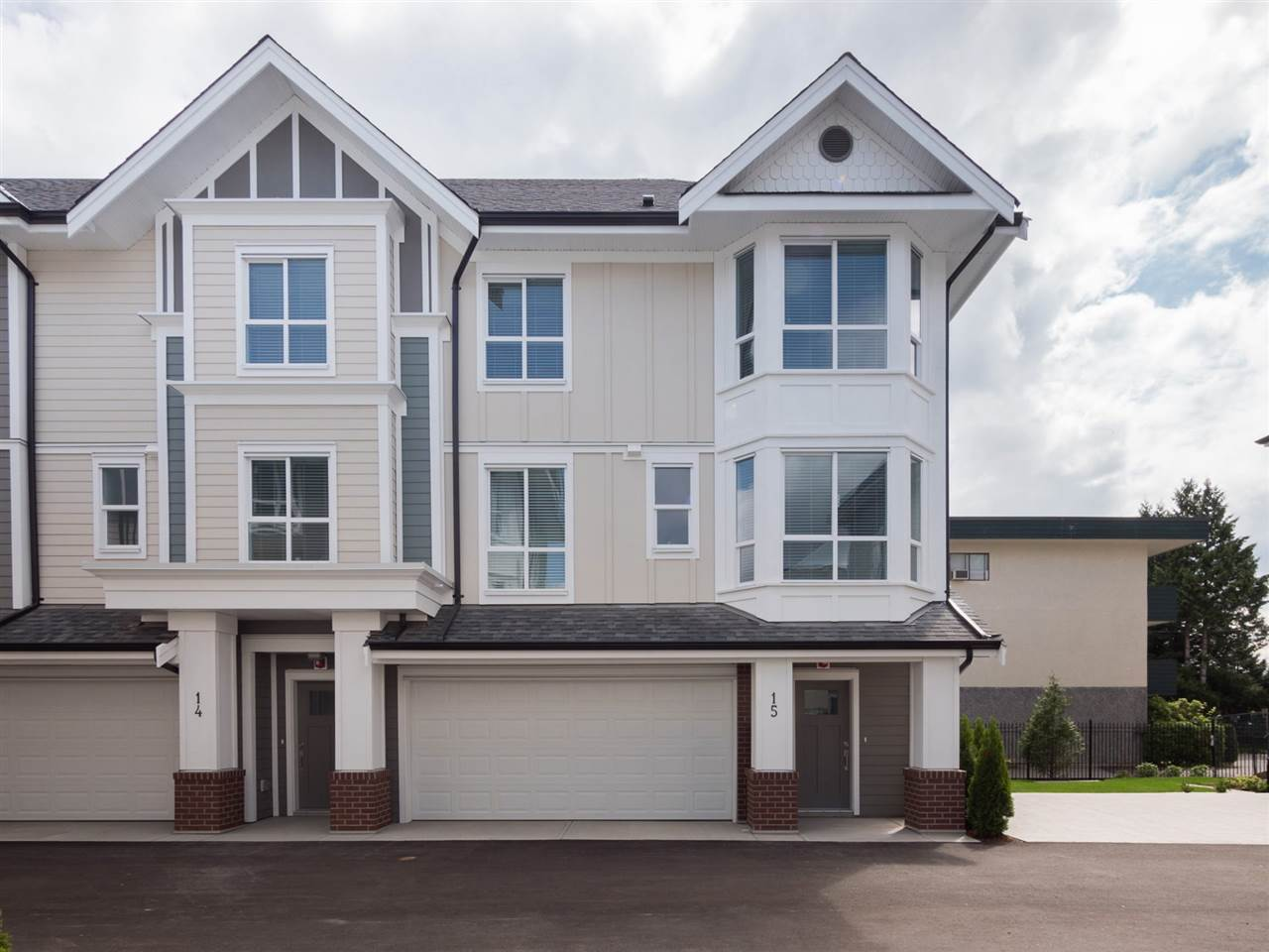 Over 70% sold!! Don't wait only 6 units remaining in this beautiful 21 unit townhouse development in the heart of Langley city. 3 bedroom floor plans for 1355 sqft to 1520 sqft all the TRUE side by side double garages. Beautifully finished with classic yet modern finishes. Open floor concept with large kitchen featuring stainless steel appliances, quartz countertops, white shaker cabinets with soft close hinges. Large living/dining rooms with 9 foot ceilings and powder room on main floor, perfect for entertaining. Upstairs features three bedrooms, laundry and beautiful master en suite with double sinks. Large upper and lower decks complete with small yard space. Extra storage in garages! Ready for occupancy.