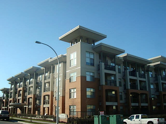 Modern designed Condo in Tempo with 9' ceilings. South facing 2 spacious beds & 2 bath plus Den on 2nd floor unit with a large patio, an electric fireplace, 1 parking stall and a storage. Close to Sevenoaks Shopping Mall, Mill Lake Park, University of Fraser Valley, easy access to Hwy#1, Abbotsford Regional Hospital and Cancer Centre and more. Please call for a private viewing.