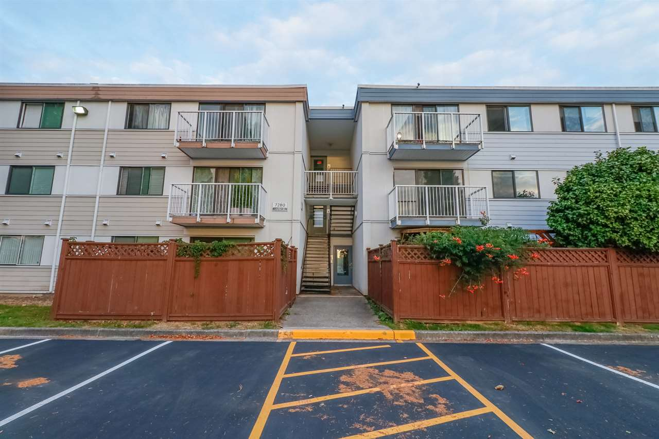 **LEASEHOLD CONDO** Bright and moving in ready 3 bedrooms apartment in Sussex Square.Fully renovated complex, incl, new roof, windows, sliding doors, exteriors, balcony, parking with the interior update: newly painting ,brand new dishwasher, stove, and fridge.Maintenance fee includes property tax, heat & water.Close to Burnett Secondary School, Thompson Community Centre. Openhouse OCT 13 2-4pm