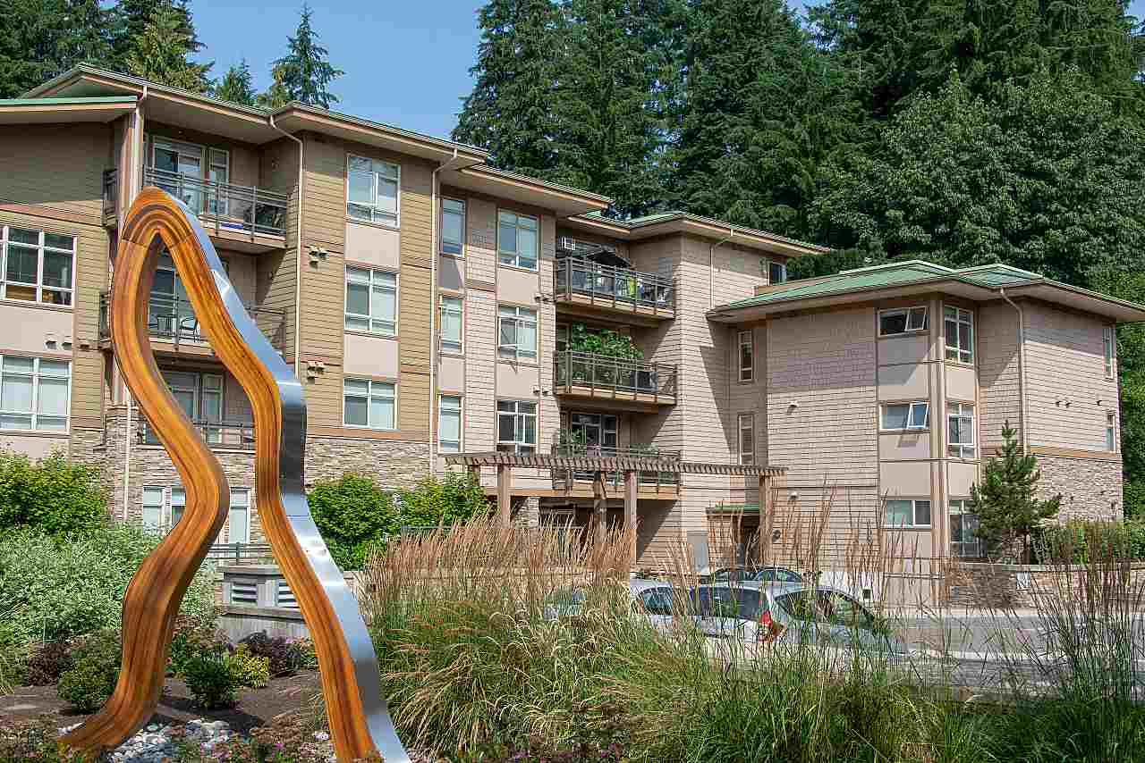 Wow, this unit is truly a pleasure to list, looks like a new show suite. East facing, with lots of natural light.  Large open kitchen to the living, dining and den area.  Large working island, stainless steel appliances and quarts countertops. Large entertaining size deck, 2 parking stalls and one storage locker. Pets allowed, this is a great home.