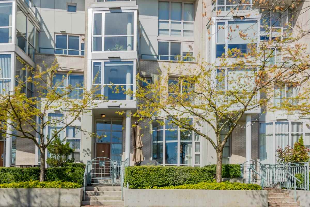 Totally renovated waterfront townhome on the seawall with unobstructed views of false creek and the marina. Spacious bright and excellent layout. Huge Master bedroom with gorgeous ensuite. Features include; High quality finishing throughout, sunken living room with 12' ceilings, built in storage and direct access to a private two car garage. Well maintained building. Close to all amenities.