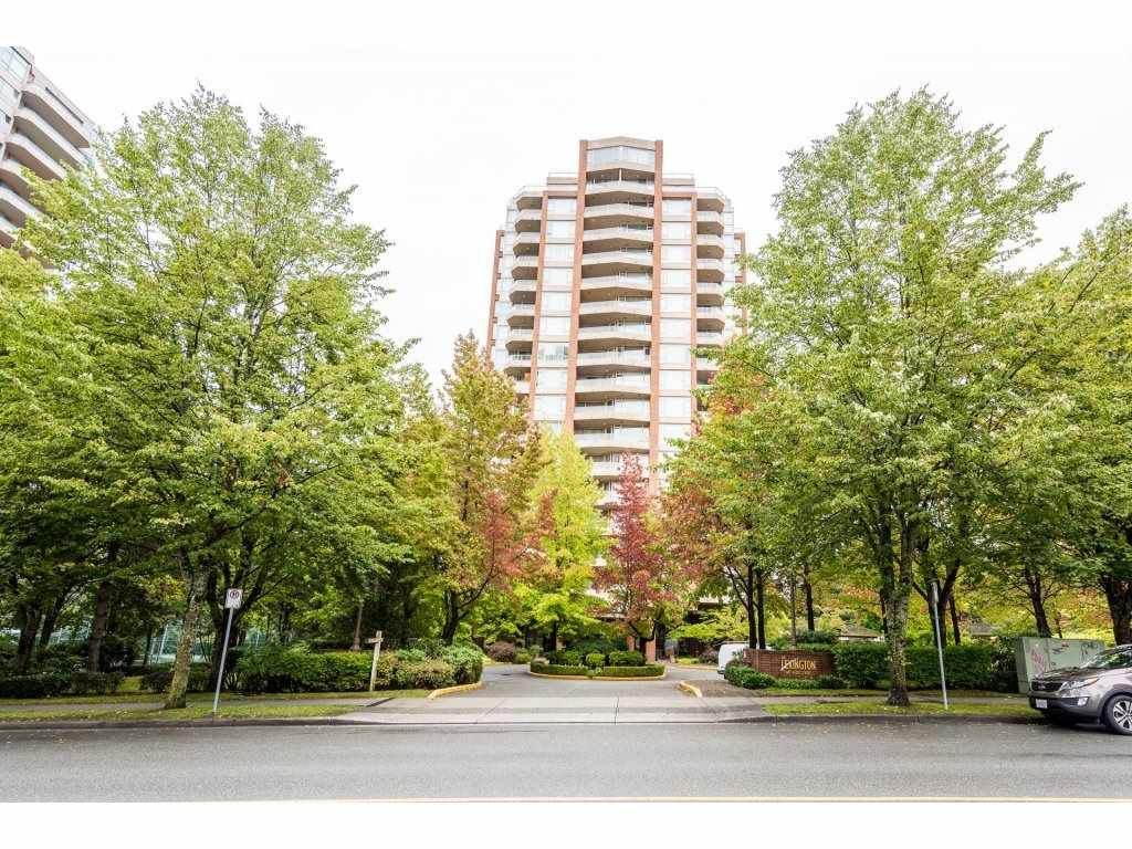 Amazing Views!!Newly renovated LARGE 01 BEDROOM CONDO with beautiful views of Deer Lake, Metropolis & Mountain. New floor, New paint. Very LOW Strata Fee Located in the heart of Burnaby. Steps to Burnaby Metrotown Shopping Centre, Crystal Mall, bus stops, SKY TRAIN station, Restaurants. Very Large bedroom with an open kitchen along with new appliances, very functional layout with insuite storage and laundry. 01 parking and 01 storage locker. Call now before it's gone!!