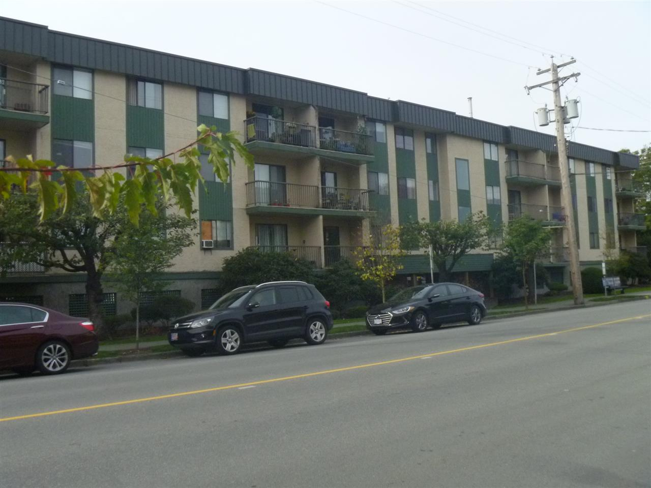 APPLEWOOD APARTMENTS! This 1 bedroom, 1 bathroom condo is 585 sq ft., centrally located and walking distance to shopping and recreation. Rentals allowed, no age restrictions. Onsite building manager, secure under-building parking, intercom and elevator. A perfect property for a first-time homeowner or as an investment!
