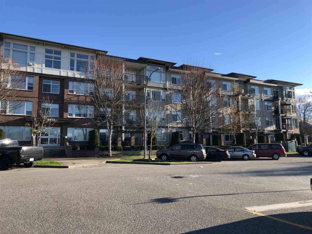 Superb one bedroom condo in move in condition with its own patio. Large master bedroom with walk through closet to main bath with shower. Good size kitchen with eating bar. Nice living room area with lots of light and leading to a large patio area. Excellent for the first time buyer or investor with rentals allowed. Great central location close to all shops, amenities, and schools.
