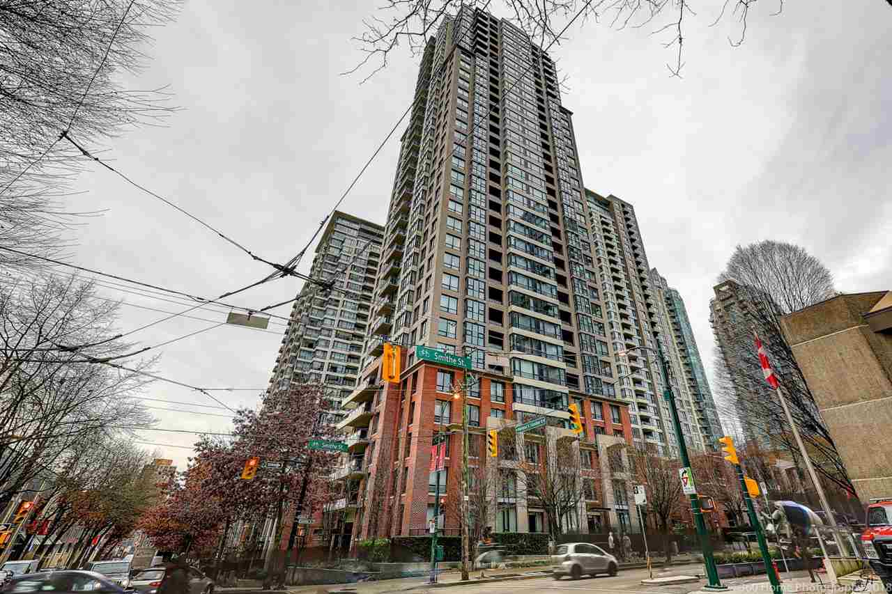 Welcome to prestigious Yaletown Park Tower 2. Most popular Yaletown complex located within minutes to BC Place, Rogers Arena, seawall, Robson shopping, Vancouver Public Library, Urban Fare, Costco and all transportation and trendy restaurants. The North- West facing one bedroom + Den + Flex home very convenience open layout with nice city and courtyard views. The building offers fantastic amenities including concierge, guest suite, games room and a well-equipped gym. Perfect first-time home or investment property.