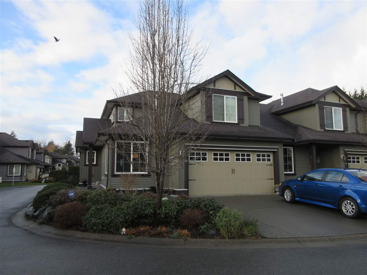 Beautiful end unit in Ranchero Estates! Bright & spacious with 3 bedrooms, 3 baths & loft. Open floor plan, hardwood, laminate & tile floors, vaulted ceiling, kitchen has large island & eating area, gas fireplace in living room, separate dining room, master on the main with 3 piece en suite. Huge loft above with 2 bedrooms & full bath. Extra large patio in the back that's private & fenced. Air conditioned & double garage with parking for 2 more!