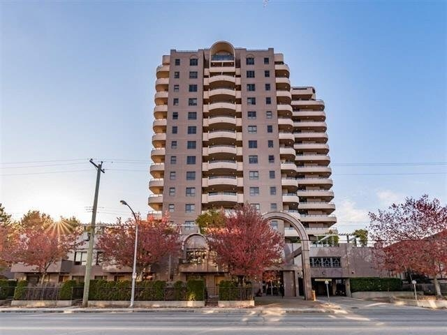 Manhattan Tower is located in the heart of Richmond. This is a 2B + den unit, den could be used as a third bedoom, great city views with big private deck, this unit is currently rented for $1,470/month. Very good tenant. Well managed building.