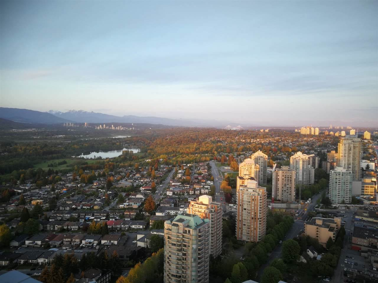 SWEET HOME OR INVESTMENT!! Rare North facing with stunning 270* view two bedrooms one bath unit in the Central Metrotown location, Sovereigh built by BOSA. Features include luxurious Miele stainless steel appliances, Kohler fixtures, Geothermal Central air conditioning etc. Overlooking Downtown, North Shore Mountains, ocean & English Bay. Residences is located above the prestigious Element Vancouver Hotel and enjoys plentiful amenities, and private concierge services. Steps away from restaurants, Crystal Mall, Metrotown, Central Library and major transportation hub. SPECTACULAR VIEW & GREAT LOCATION! Don't miss it!
