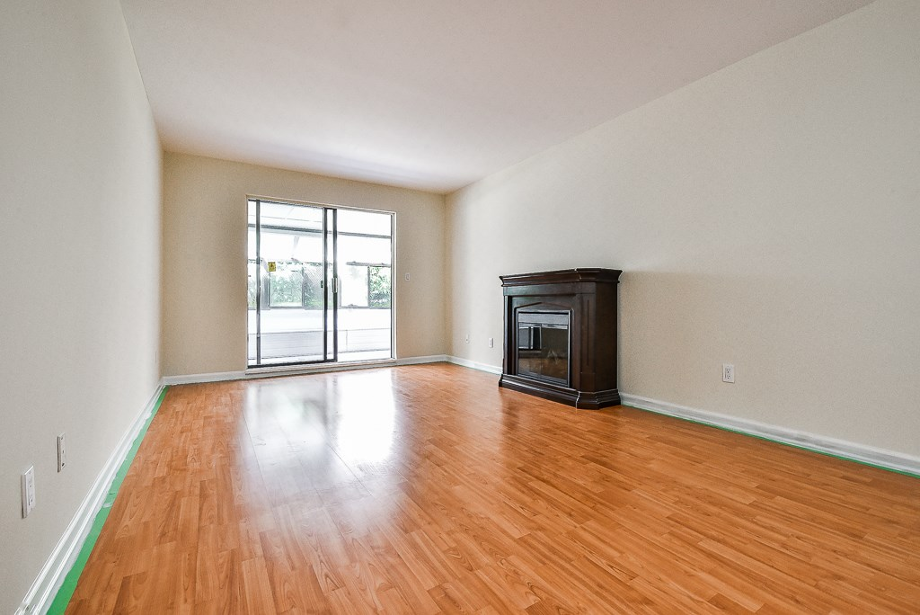 One Bedroom Plus Huge Den. easy access on ground floor. Totally renovated ready to move in. Spacious pantry. and enormous solarium. Roof top ocean view patio and amenity room. Excellent location close to shopping and to elementary school.