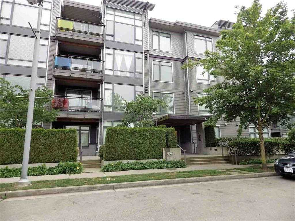 Great Location!!! Beautiful l bdnn with view from deck. Stainless steel appl.s, granite countertops, fireplace, insuite laundry, geothermal heating with A/C. Close to shopping and transportadon. Motivated seller. 2 pets any size ok And RENTALS ALLOWED. Bring all offers! Call for appointment.