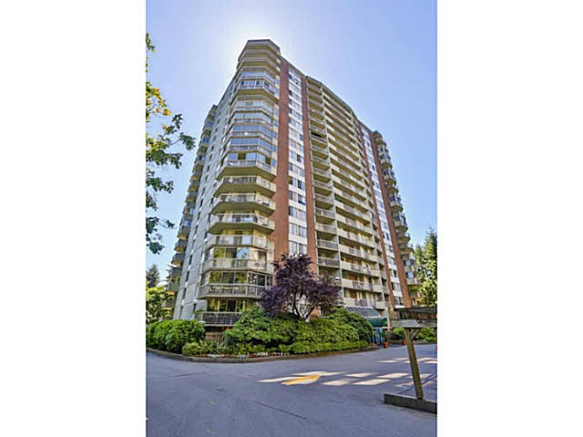 Welcome to Woodcroft's prestigious Capilano building. This rarely available 05 floor plan offers a spacious 787 sqft 1 Bedroom and LARGE DEN. Lots of partial updates throughout and maintained in great condition. Some features include oversized kitchen w s/s appliances, spacious living and dining rooms, large bedroom, den is perfect for an office, storage or even a 2nd bedroom. The suite also boasts a beautiful treed outlook. Make it your first home or a great investment opportunity. Excellent facilities including indoor swimming pool, exercise room, sauna/steam room. Nestled in a serene nature surrounding, with Capilano River trail steps away. A great lifestyle to enjoy! 1 parking & 1 storage locker. Showings by appointment.