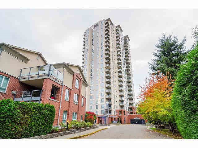 Great opportunity to own a large 3 bedrooms, 3 baths, 2 parking, maple kitchen, granite countertops, designer tiles home! Southeast corner unit with panoramic view of Fraser River, Mount Baker and Richmond. 2 balconies, 2 gas fireplaces. Spacious, bright layout, Walk to Highgate Mall, skytrain & shopping. 2 ensuites, 2 parking stalls. This home is in good move-in ready condition and it's a also a wonderful property for excellent investment!