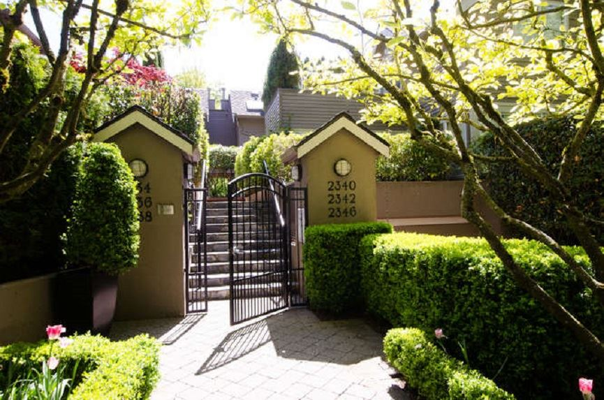 RARE OFFERING, MAGNOLIA TERRACE, in the heart of Kitsilano. South facing end unit with beautiful private perennial garden and patios and a 100 sqft rooftop deck!! Spacious kitchen with deck off eating area. Two bedrooms up with ensuite bathrooms and another deck off second bedroom. Huge bonus is 2 under building parking spots with entrance to unit, lots of storage and a common wine cellar. All this on a quiet tree lined street steps to W4th ave & W Broadway shops, restaurants & Kits Beach. Won't last. Call now for appt.