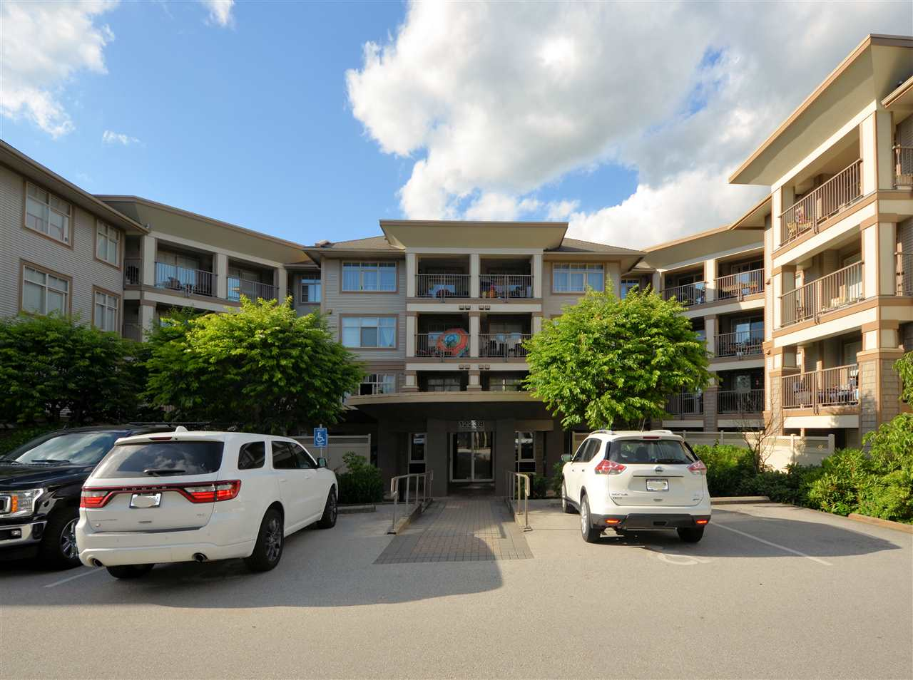 TOP FLOOR in URBANO! Steps on in to this UPGRADED OPEN FLOOR PLAN unit that boasts Vaulted Ceilings, Custom Modern Cabinetry, PREMIUM Laminate Flooring, Designer Paint, PRIVATE BALCONY with Privacy Fence, Plenty of natural light, Spacious Bedroom, plus so much more! One of the best locations in the building & walking distance to transit, shopping, parks & everything else the area has to offer! RENTALS ALLOWED & Pet Friendly! Come check out this one of a kind GEM & get it before it's gone!