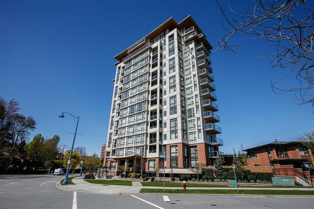 This one bedroom plus flex room unit has so much to offer like central air conditioning unit, Stainless Steel & gas range appliances and Quarts countertop for easy cleaning. Deck 9'10X4'10. Building offer Fitness, steam, lounge and meeting room with kitchen for your gathering & function. Great location and close to Canada Line, Richmond Center Mall, restaurants, Minoru parks, pool, library and much more!